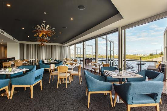 Wildflower Restaurant and Bar at Best Western Plus Lake Kawana - Melbourne Tourism