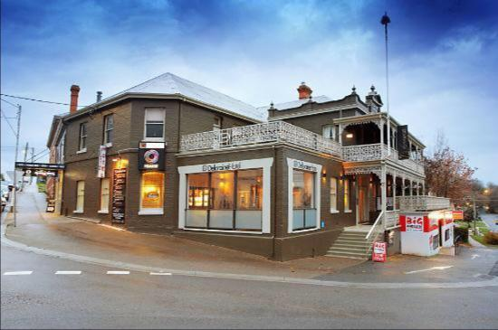 Deloraine Hotel Restaurant - Melbourne Tourism