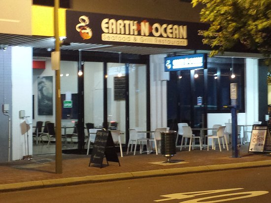 Earth n ocean seafood grill restaurant - Melbourne Tourism