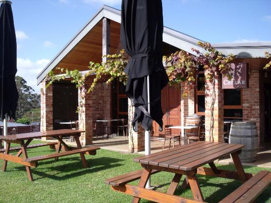 Singlefile Winery Restaurant - Melbourne Tourism