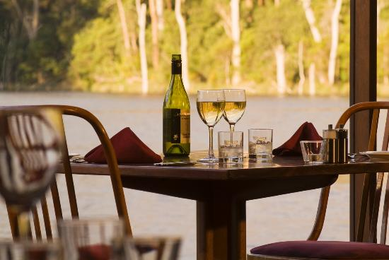 Lakeside Restaurant - Melbourne Tourism