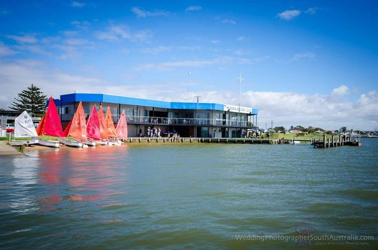 Goolwa Aquatic Club Restaurant - Melbourne Tourism