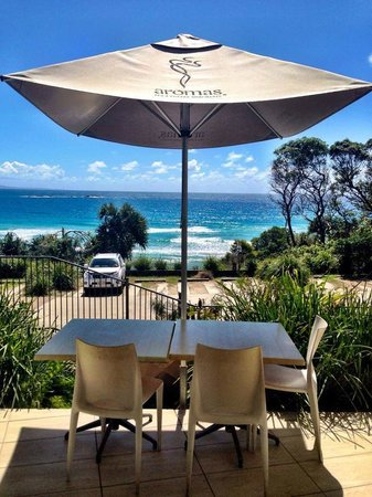 Manta Ray Bistro at Stradbroke Island Beach Hotel - Melbourne Tourism