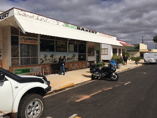 Snows Bakery,Alpha Queensland