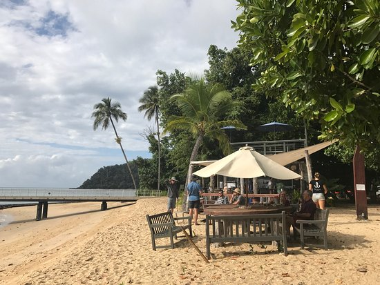 Sunset Bar Dunk Island - Melbourne Tourism