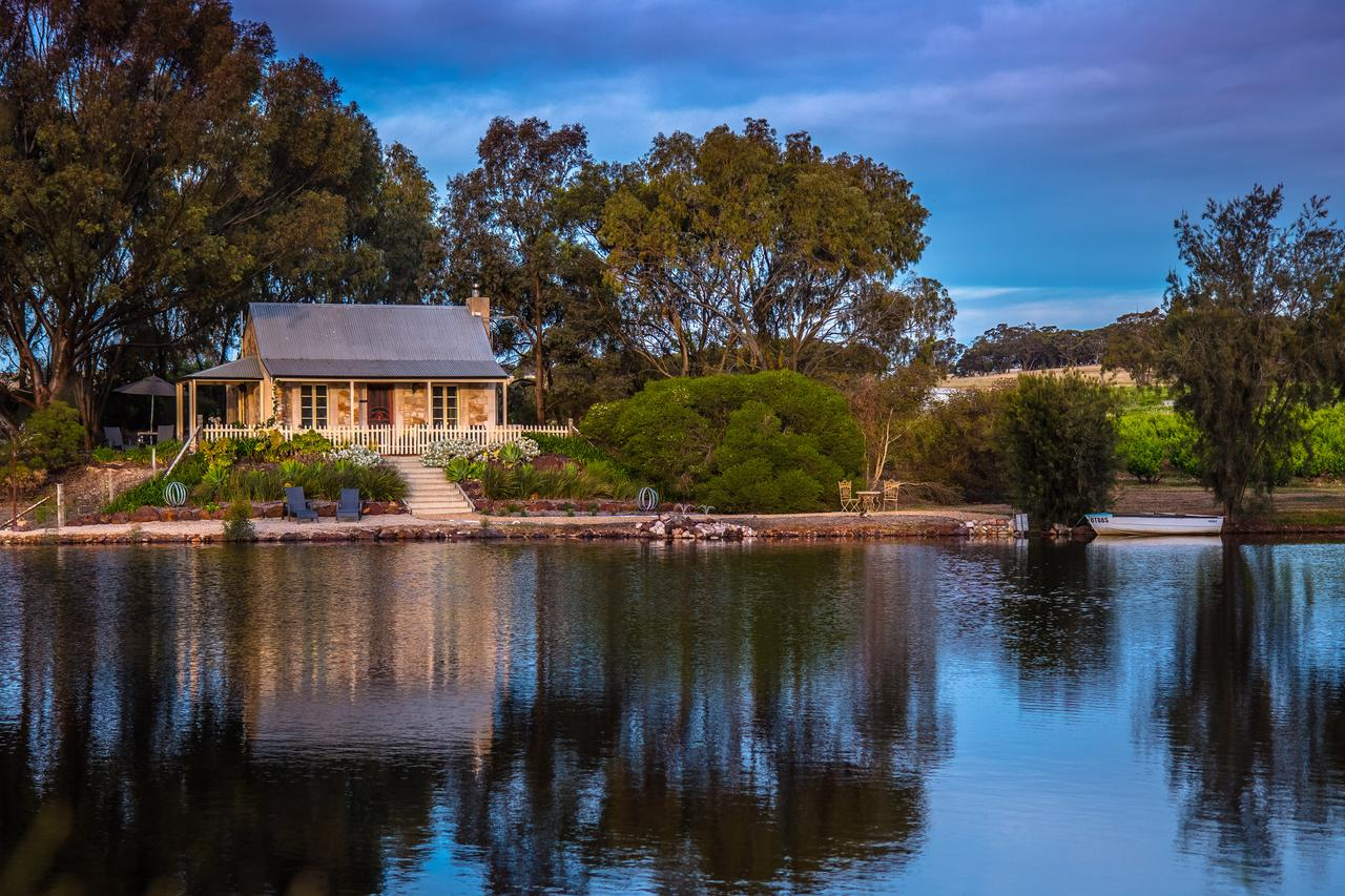 Stonewell Cottages and Vineyards - Melbourne Tourism