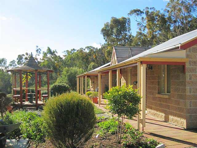 Riesling Trail  Clare Valley Cottages - Melbourne Tourism