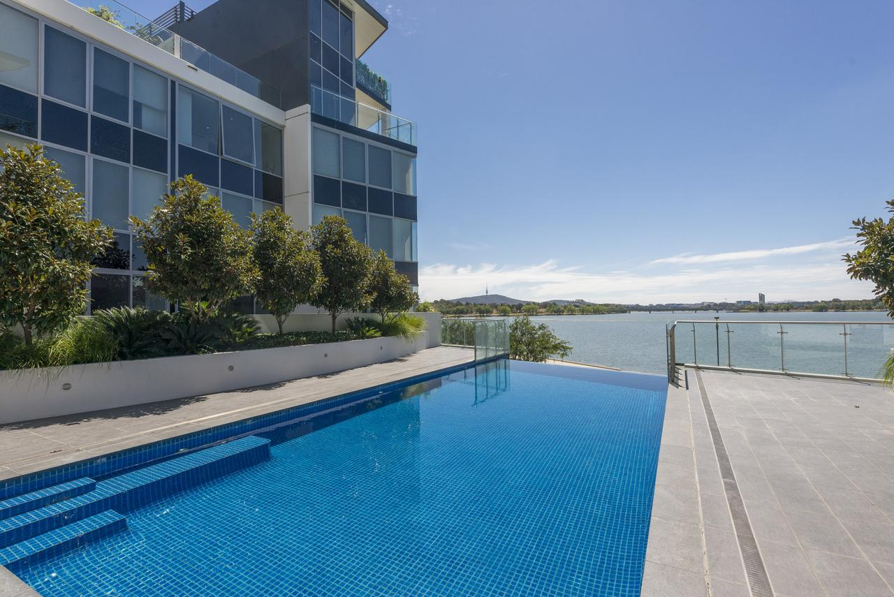 Accommodate Canberra - Lakefront - Melbourne Tourism