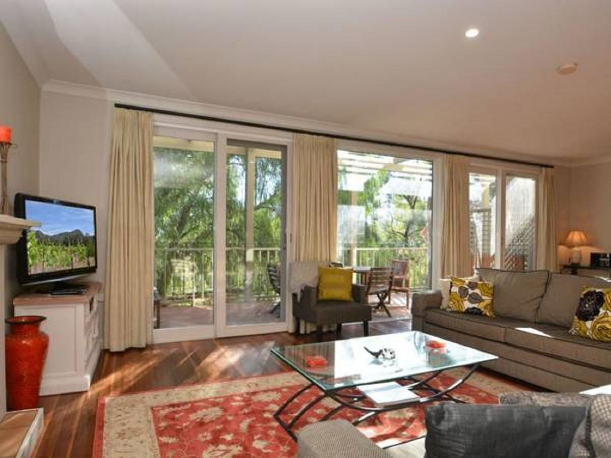 Villa Chianti located within Cypress Lakes - Melbourne Tourism
