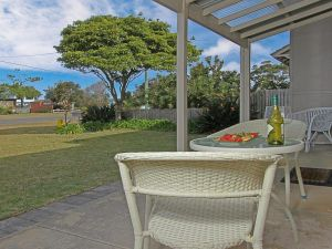 Callala Beach Cottage - charm and character - Melbourne Tourism