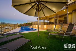 7 Kestrel Place - PRIVATE JETTY  POOL - Melbourne Tourism