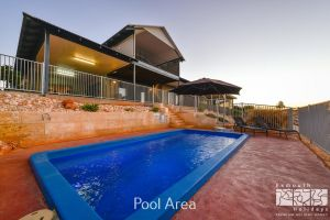 3 Kestrel Place - PRIVATE JETTY  POOL - Melbourne Tourism