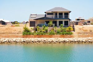 27 Corella Court - Exquisite Marina Home With a Pool and Wi-Fi - Melbourne Tourism
