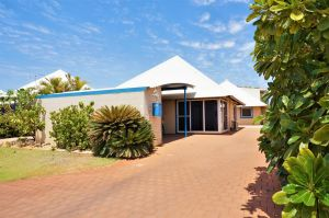 Osprey Holiday Village Unit 119 - Close to the pool - Melbourne Tourism