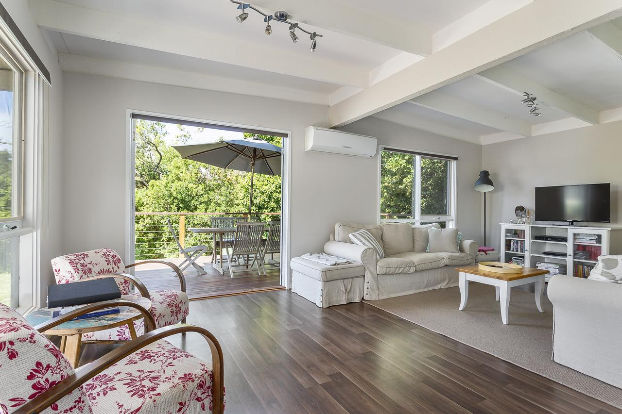 Blairgowrie Bella - light filled home with great deck - Melbourne Tourism